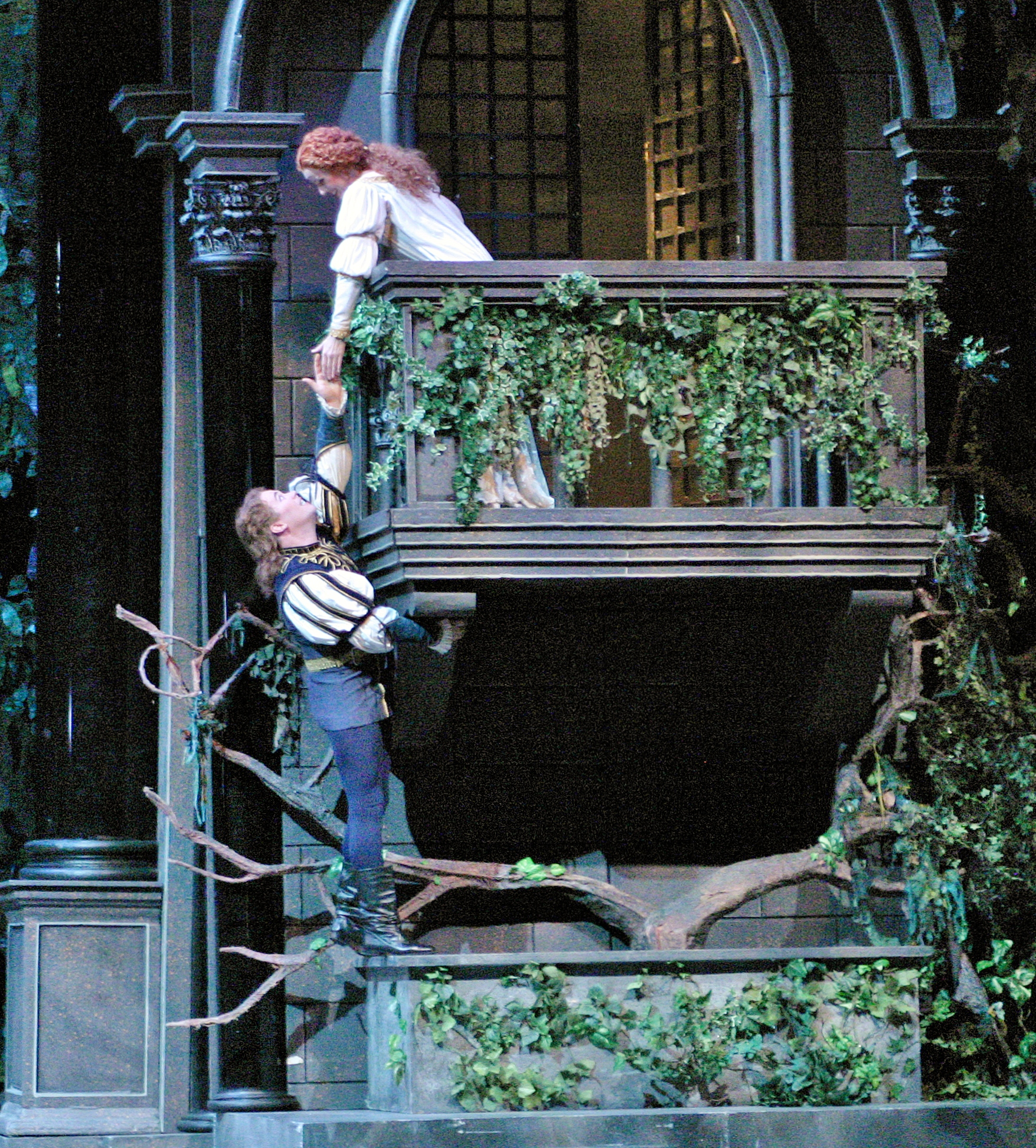 Romeo and juliet balcony scene images for On the balcony